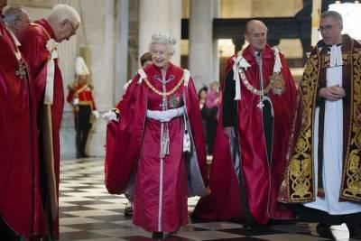 5 ярких образов королевы Елизаветы II