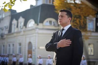 Зеленский присвоил двум военнослужащим звание Герой Украины посмертно