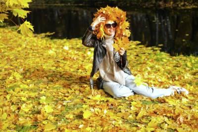 Врач-аллерголог предупредила об опасности осенней листвы