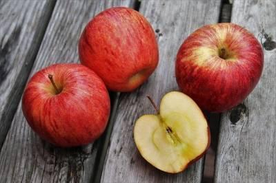 Ученые выяснили, как яблоки приобретают свою форму и мира