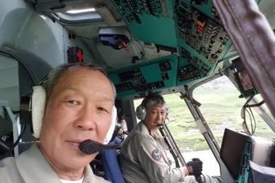 Лётчик из Бурятии стал заслуженным пилотом России