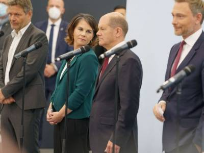 """Выборы в Германии: социал-демократы, """"зеленые"""" и либералы договорились перейти к коалиционным переговорам"""