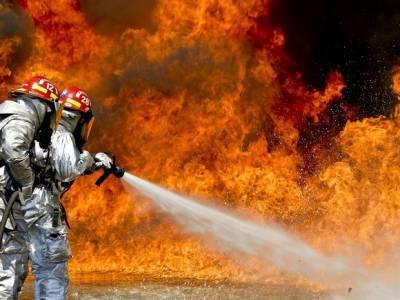 В Москве горит здание военкомата