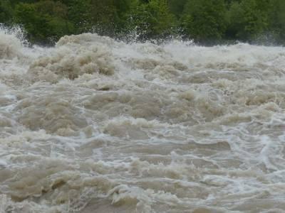 По меньшей мере 34 человека погибли после наводнения на севере Индии и мира