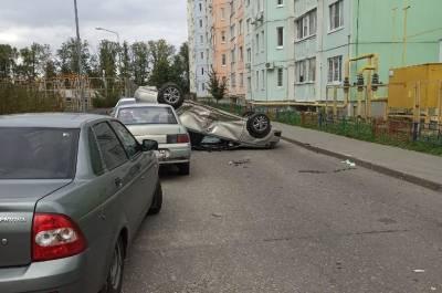 В перевернувшейся иномарке в Воронеже пострадал 12-летний мальчик