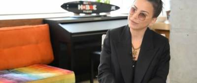 Ани Лорак устроила «битву образов»: мнения фанатов разделились