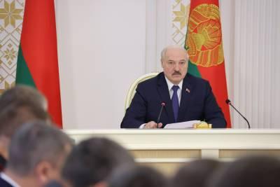 Тема недели: Александр Лукашенко собрал совещание о ходе сельскохозяйственных работ