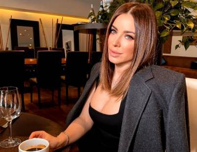 Ани Лорак засветила своего спутника во время роскошного ужина в Дубае: появились фото