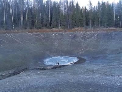 В Вологодской области ушло под землю озеро с рыбой