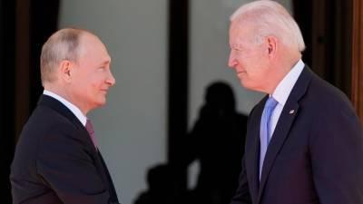 Сенаторы США призвали к паритету с Россией по числу дипломатов