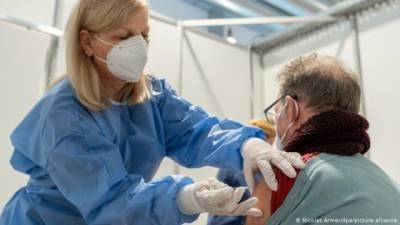 Стало известно, будут ли в Украине вводить третью дозу COVID-вакцины