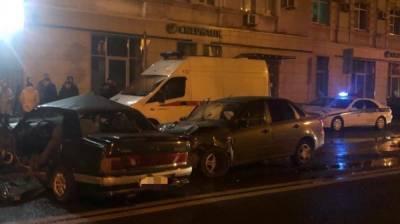 В ДТП в центре Воронежа погиб 17-летний парень и пострадали 6 человек