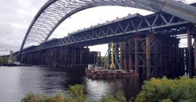 """На строительстве Подольского моста чиновники """"обогатились"""" на 150 млн грн"""