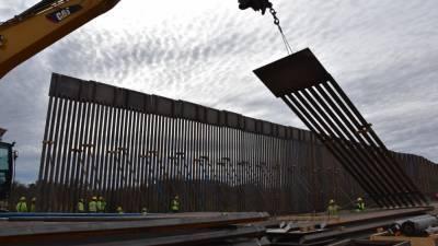 """Администрация Байдена прекратила строительство """"мексиканской"""" стены"""