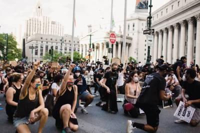 """""""Байден их не остановит"""": американский писатель о протестах в США"""