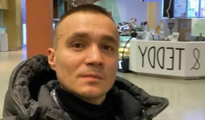 Неизвестные стреляли в машину тюменского бизнесмена на трассе Тюмень - Екатеринбург