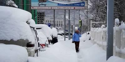 Снегопад на Сахалине - дома завалило снегом - фото, видео погоды в России - ТЕЛЕГРАФ