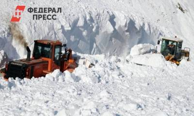 На Сахалине две дороги остаются заблокированными