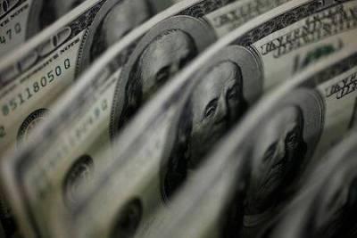 Доллар малоподвижен после разочаровывающих данных о занятости в США, фунт вырос