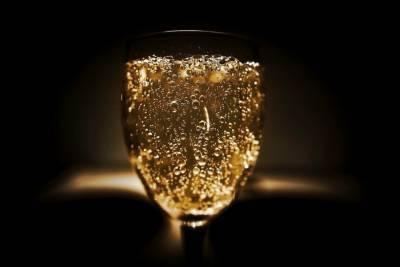 Врач рассказал, сколько пить 23 февраля без последствий для организма