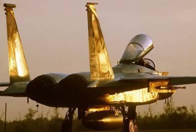 Forbes: После провала стелс-истребителя F-35 США мечтают о бюджетном самолете