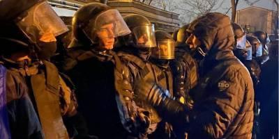 Дело Стерненко: во время протестов в центре Киева пострадали около 40 человек