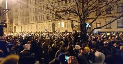 Полиция отпустила всех задержанных во время митинга в поддержку Стерненко