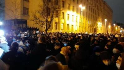 Зеленский спровоцировал войну элит – в Киеве прогнозируют масштабные беспорядки