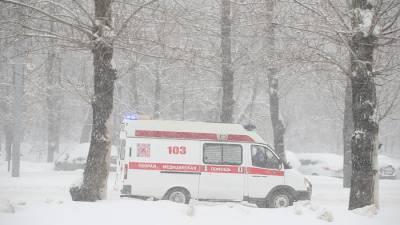 В Кировской области прохожие спасли лежавшего в снегу младенца