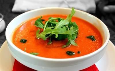 Диетолог рассказала кому не стоит есть супы-пюре