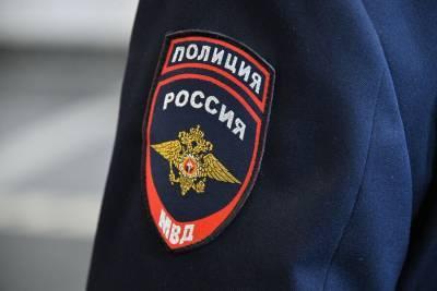 Пассажир рейсового автобуса в Москве угрожал застрелить двух подростков