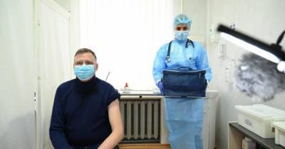 В Одесской области началась вакцинация от коронавируса: кто получил первую прививку