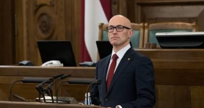 """""""Загорятся красные лампочки"""": министр предупредил Латвию о третьей волне COVID-19"""