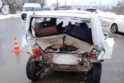 В Тамбове столкнулись «Mazda» и «ВАЗ»: есть пострадавший