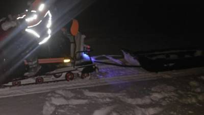 Два человека на снегоходе попали под колеса фуры и погибли на ЕКАД