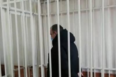 Двух работников склада автозапчастей в Красноярске арестовали после смертельного пожара