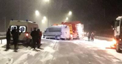В Ровенской области столкнулись маршрутка и снегоочистительная машина, есть пострадавшие (ФОТО)
