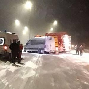 В Ровенской области столкнулась маршрутка и снегоуборочная машина: есть пострадавшие. Фото