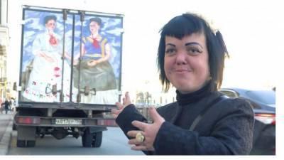 Названа причина смерти экс-солистки Little Big Анны Каст