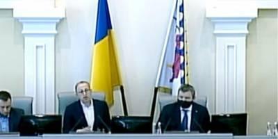В Днепропетровском облсовете депутат от ОПЗЖ выдал русский язык за «восточно-украинский» — видео