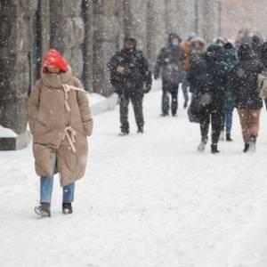 Мэр Киева обратился к руководителям предприятий сократить рабочий день из-за снегопада