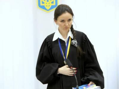 """Суд отменил указ об увольнении судьи Царевич, которая лишала прав участников """"Автомайдана"""""""