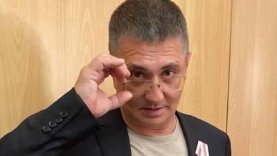 Доктор Мясников предупредил о связи инсульта и популярных обезболивающих в России