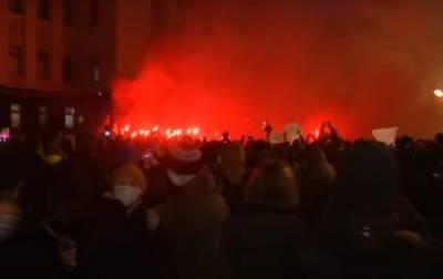 Под Офисом президента собралась акция в поддержку Стерненко