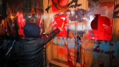 В атаке на офис Зеленского заподозрили Порошенко