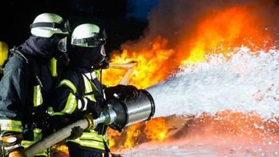 Видео: магазин горит в торговом центре в Иркутске
