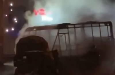 Мощный взрыв прогремел под Киевом, маршрутка сгорела дотла: кадры жутких последствий