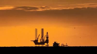 Нефтяная игла. Сатановский объяснил зависимость США от России