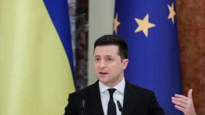 Зеленский отменил указы Януковича о судьях Конституционного суда