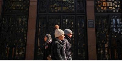 Более тысячи новых случаев в двух областях. В каких регионах Украины больше всего инфицированных COVID-19